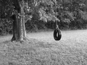 Tire_Swing_by_Hannah92