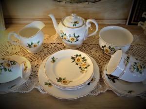 tea-teapot-cup-meal-saucer-ceramic-1330703-pxhere.com