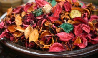 potpourri-rose-petals-e1488306482168